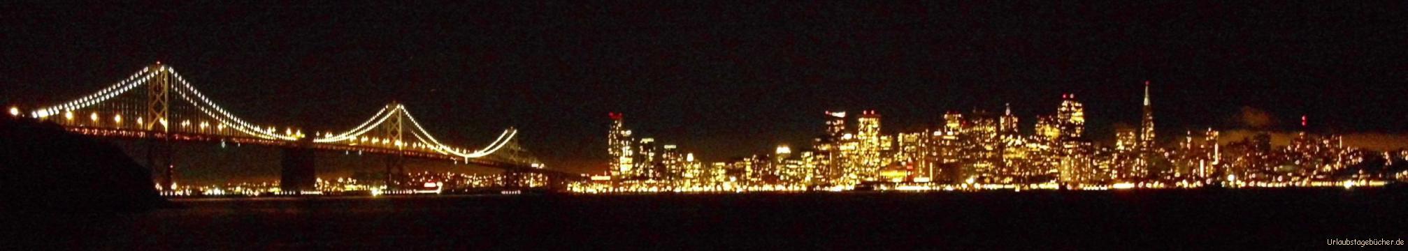 San Francisco bei Nacht: von Treasure Island aus, einer künstlich aufgeschüttete Insel mitten in der Bucht von San Francisco, haben wir einen traumhaften Blick auf die Lichter San Franciscos und den westliche Abschnitt der Bay Bridge