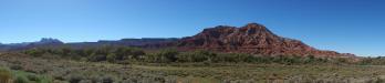 unterwegs durch Utah: schon der Weg von St. George (Utah) zum Zion-Nationalpark (ebenfalls in Utah) führt uns durch eine beeindruckende Landschaft