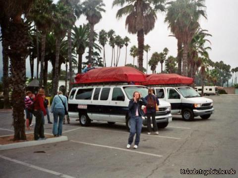 unsere Vans: unsere Vans auf dem Parkplatz am Santa Barbara Beach