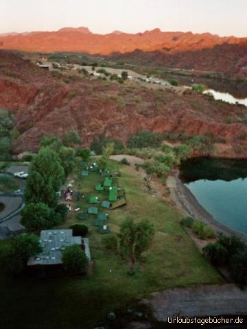 Zeltplatz von oben: unser Zeltplatz am Colorado River von oben bei Sonnenaufgang