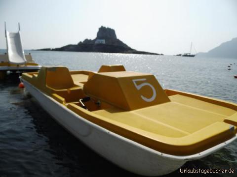 Mit dem Tretboot rüber nach Nisi Kastri: Mit dem Tretboot rüber nach Nisi Kastri