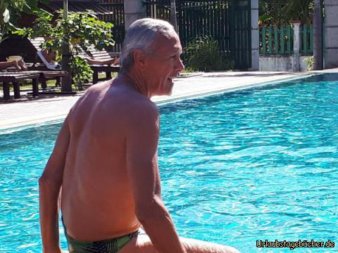 Heinz am Pool: