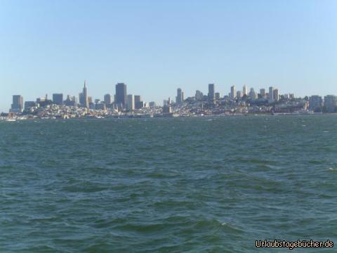 San Francisco: der Blick von der San Francisco Bay auf San Francisco, Kalifornien, und seine Skyline