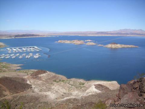 Lake Mead Marina: der vom Hoover Dam aufgestaute Lake Mead ist nicht nur der wichtigste Stausee der USA, sondern auch ein sehr beliebtes Erholungs- und Naturschutzgebiet