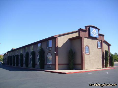 Americas Best Value Inn: unser Hotel von letzter Nacht (zumindest für die paar Stunden, die von der Nacht noch übrig waren): das Americas Best Value Inn in St. George (Utah)